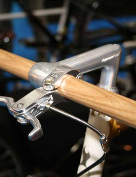 The sawn off messenger style handlebar was fashioned out of a lump of ash by Tom Warmerdam's neighbour