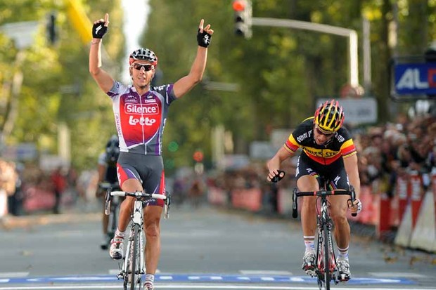 Philippe Gilbert wins Paris-Tours from Tom Boonen