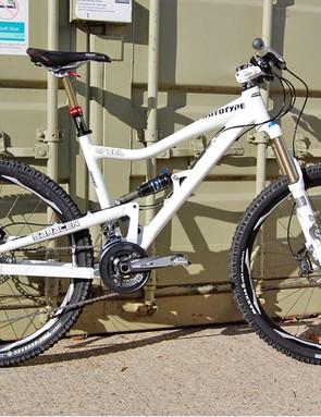 Saracen Ariel 140mm full suspension bike