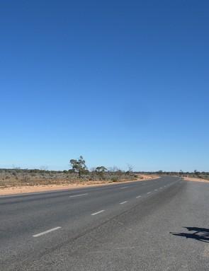 The empty roads of Dundas, Western Australia