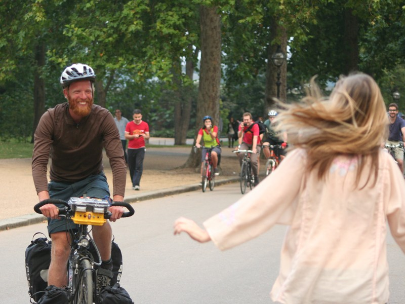 Arriving at Hyde Park after breaking the round-the-world cycling record