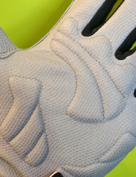 All SealSkinz gloves have padding at pressure points