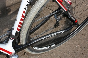 The chain stays are tall and relatively thick throughout their length, contributing to the Norcross's snappy drivetrain feel