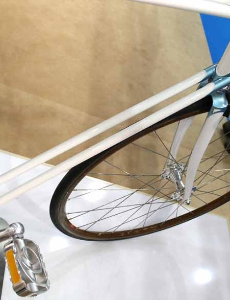 The twin downtube separates the Duro from the crowd