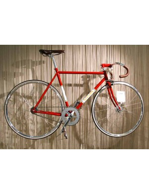 The Pista in red