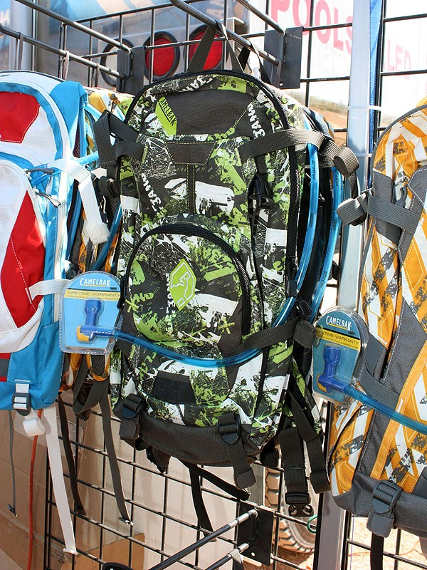 The Capo is the mid-range offering in CamelBak's updated all-mountain/freeride line with similar capacity to the current MULE but with more of a gravity focus