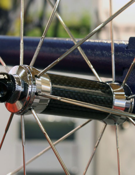 Top-end 'Flamme Rouge' wheel variants get carbon hub shells, titanium skewers and ratchet rings, and higher modulus carbon rim materials where applicable. Unfortunately, this trick polished finish won't make it to production, though