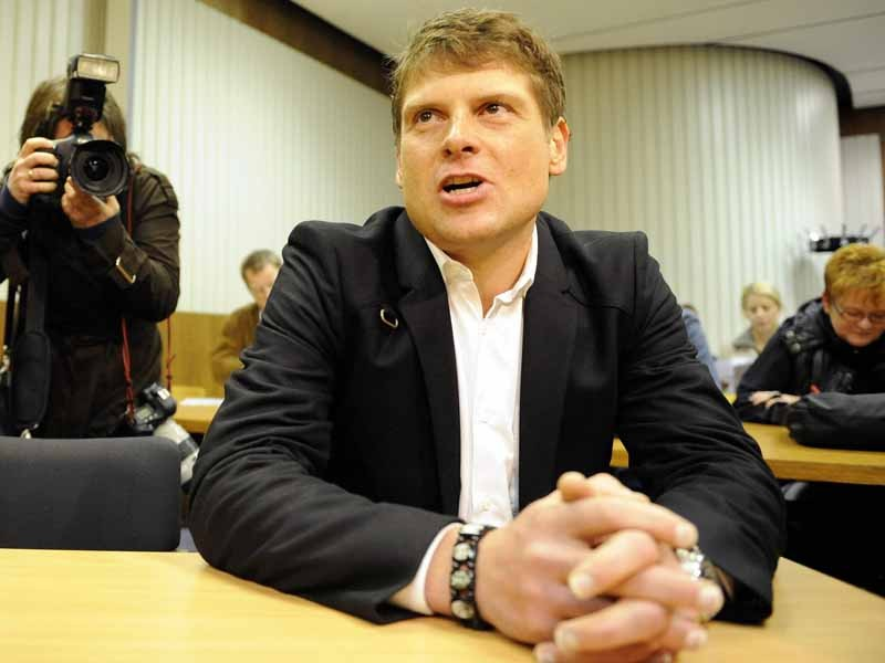 Jan Ullrich has brushed off the latest allegations that link him with Dr Eufemanio Fuentes
