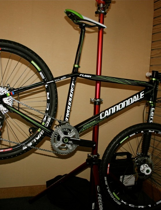 The 2010 Cannondale Flash Carbon Ultimate hardtail weighs just 16.5lbs.