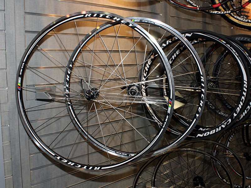 The new Zeta road wheels will feature welded and machined aluminium rims alloyed with vanadium and a shallow box-section profile to lend more comfort on rough roads