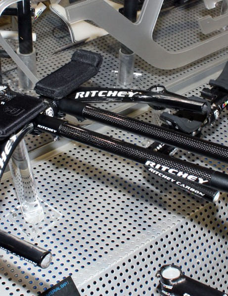 Ritchey's redesigned WCS Interval Base Bar features new extension clamps that sit in-line with the base bar