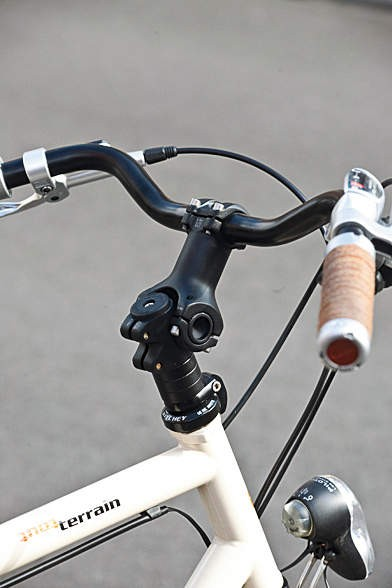 An adjustable stem and leather grips show that the options boxes have been well filled