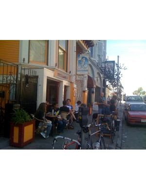 Bikes and people a-plenty at the Mojo Bike Café in San Francisco.