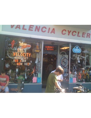 Valencia Cyclery was hoppin'.