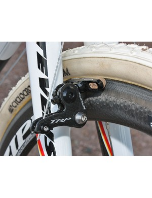 TRP's ultralight EuroX Carbon brakes and Zipp carbon-specific pads supply the stopping power