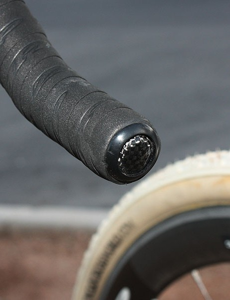 Of course, carbon bar plugs are included with the Zipp tape