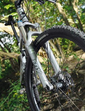 the Fox F32 F120 fork with Qr15 screw-thru axle complements the custom-tuned Fox rP23 shock