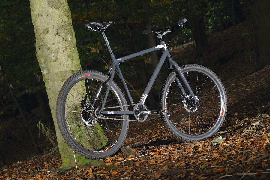 The Duster is a tough, simple and classy singlespeed rigid forked offering for a very reasonable price