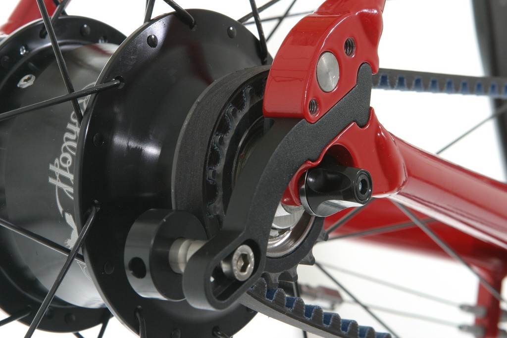 The belt drive and Rohloff hub