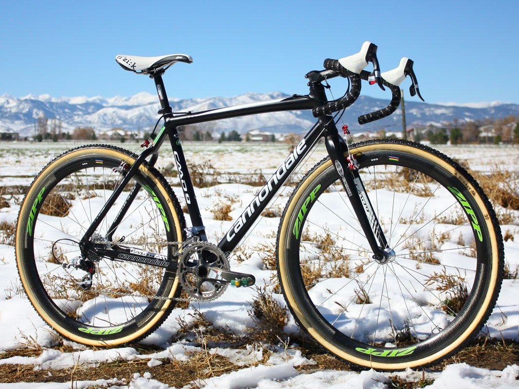 Jeremy Powers (Cannondale-Cyclocrossworld.com) nabbed two second-places finishes in Colorado aboard this stealthy-looking Cannondale Cyclocross rig