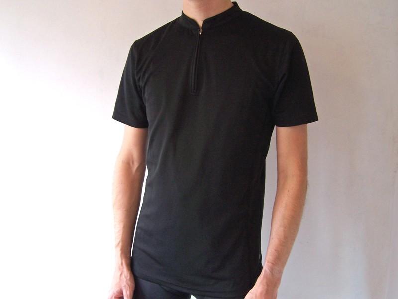 Lesswet.com merino wool/polyester zip collar T-shirt