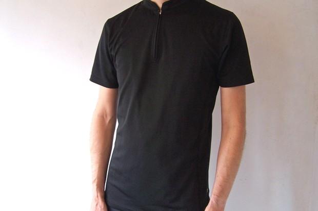 d57d3656ff Lesswet.com merino wool polyester zip collar T-shirt review
