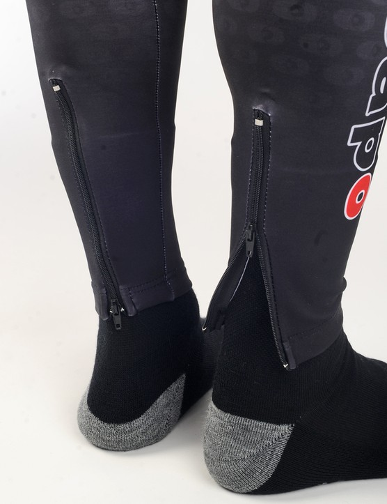 Ankle zips make it easier to get the leg warmers on and off