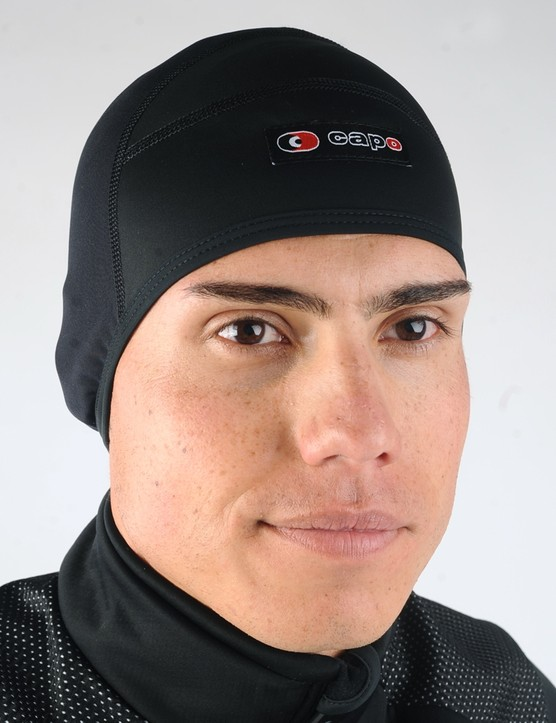 The Milano Skull Cap augments its insulative Super Roubaix fleece-backed body with an extra windproof panel up front