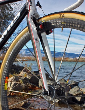 Anthony's team-edition Supernova uses a Ritchey Carbon Pro 'cross fork