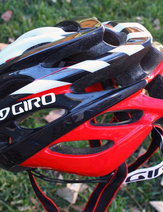 Styling on the new Prolight is reminiscent of older Giro models like the Pneumo