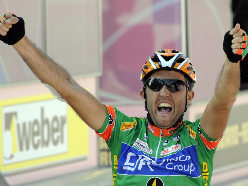 Matteo Priamo (CSF Group/IRL) celebrates as he crosses the finish line winning the sixth stage of the 91st Giro between Potenza and Peschici on May 15, 2008