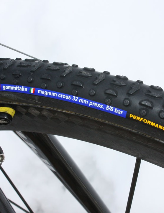 The Gommitalia Magnum Cross tubulars use a familiar tread design