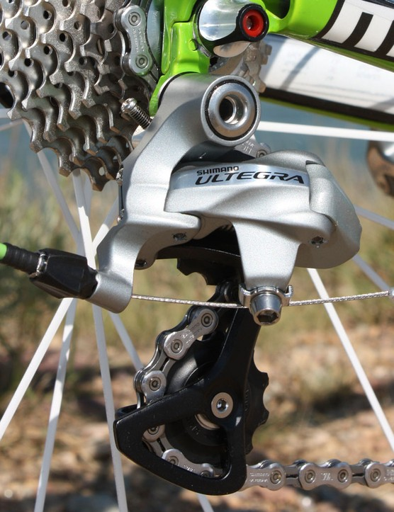 The updated Ultegra 6700 rear derailleur now sports a more faceted look