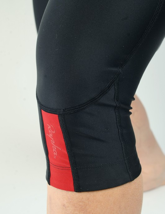 The legs feature Rapha's trademark color accents but the lighter weight material now highlights a slightly irritating seam behind the knee.