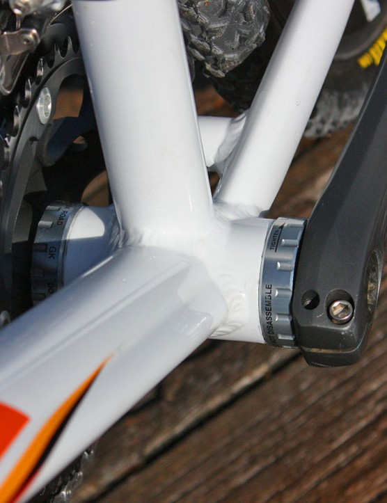 The down tube uses a trapezoidal profile to help bolster the bottom end