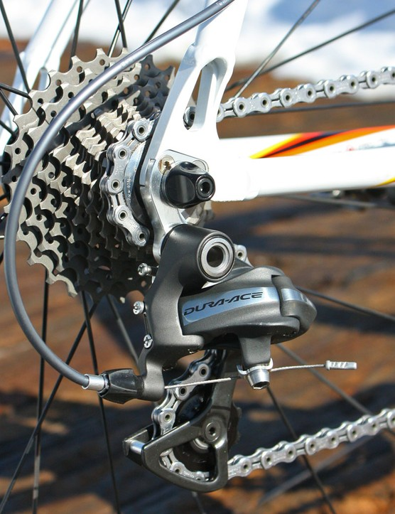A Dura-Ace 7900 rear derailleur handles chain movement across the cassette while beefier aftermarket hangers from Wheels Manufacturing provide a more stable platform for improved shifting