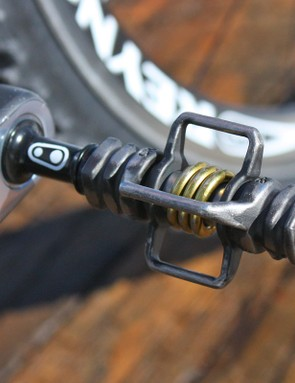 CrankBrothers' Eggbeater 2ti pedals offer reliable performance in muddy slop