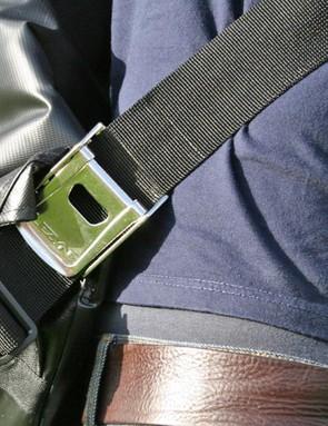 Heavy-duty buckle