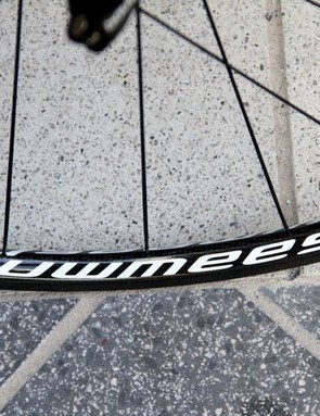 Minimalist decals give these wheels a simple, classy look