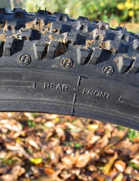 Arrows on tyre