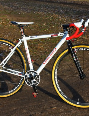 Amy Dombroski (Schlamm p/b Clement and Primus Mootry) will finish the 'cross season on a custom-built Primus Mootry