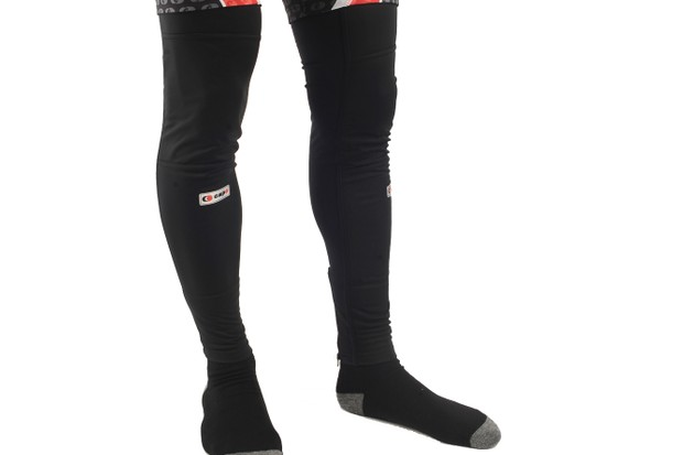Capo's Limited Edition Roubaix leg warmers lend extra protection from wind and water with its laminate front panels