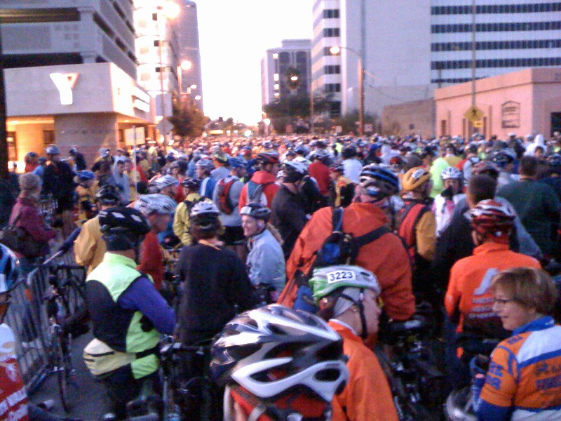 This was my view from the Tour de Tucson start line. Despite sound advice from friends, I still managed to screw up the start. I wasn't supposed to be this far away from the front before I turned my pedals for the first time