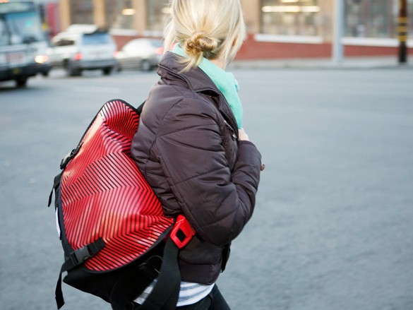 Timbuk2 have produced two special edition (PRODUCT)RED messenger bags