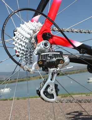 The 11-speed Campagnolo Chorus drivetrain benefitted from the Rivet's smooth, low-friction external cable routing
