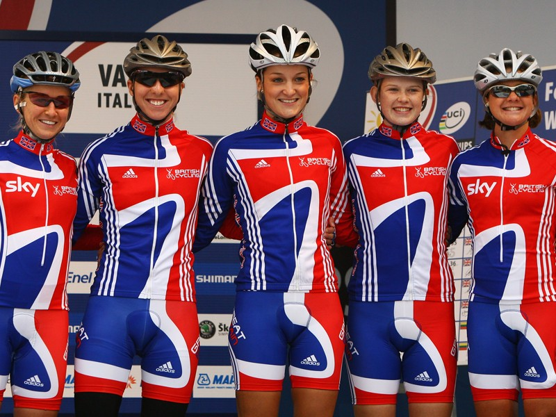 ( L to R) Emma Pooley, Nicole Cooke, Elizabeth Armitstead, Jessica Allen and Sharon Laws pose for a photograph prior to the elite women's road race during the 2008 UCI Road World Championships in Varese, Italy
