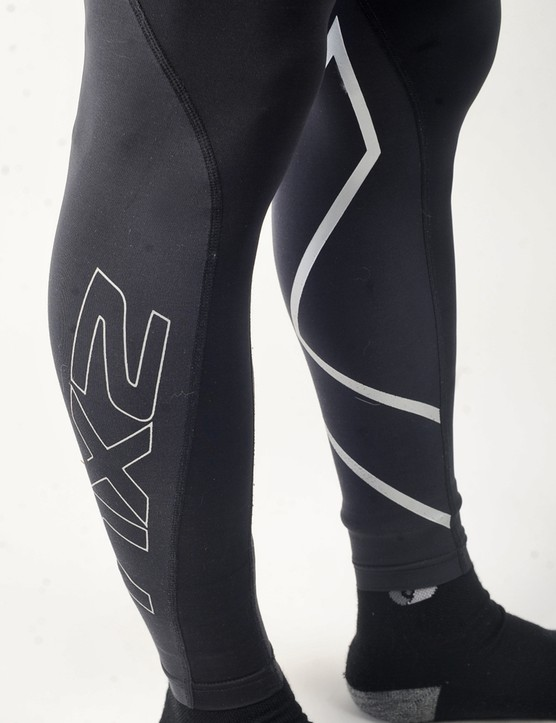 2XU prefers a so-called gradual compression concept whereby the fit is tighter around the calves than up high, thus supposedly promoting better fluid flow