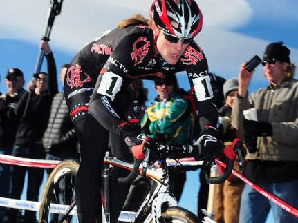 Katie Compton (Planet Bike) took the women's title with a strong lead