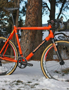 Ryan Trebon (Kona) is hard to miss aboard this ultra-tall – and very orange – Kona Major Jake with custom geometry