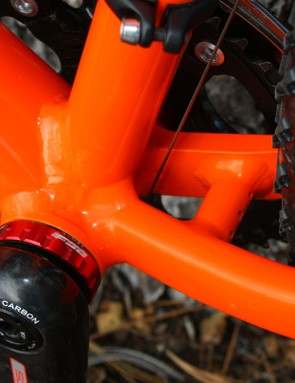 The driveside chainstay is tubular throughout its length but the driveside one uses a short machined aluminium section for better chainring and tyre clearance